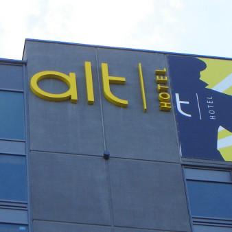 PoitrasIndustries_Enseignes_Exterieure_AltHotel